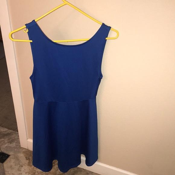 Dresses & Skirts - Flirty blue number!